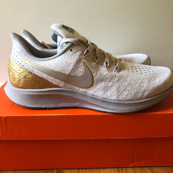 the best attitude 10e0f b5c50 NIB Women's Nike Air Zoom Pegasus 35 Premium Metal NWT
